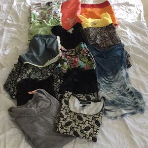 Poshers!  Summer Re-Sell Lot 5 bottoms & 10 tops